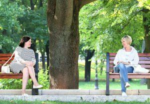 women-in-park