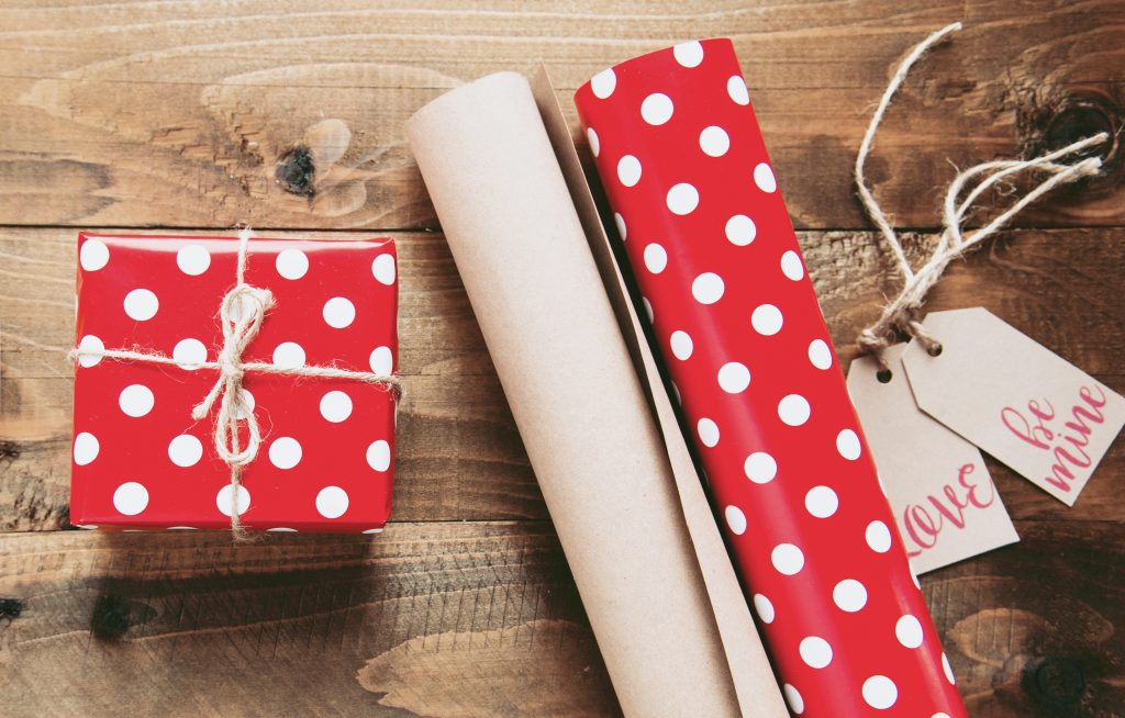 red white polka-dot gift box wrappers - make extra money